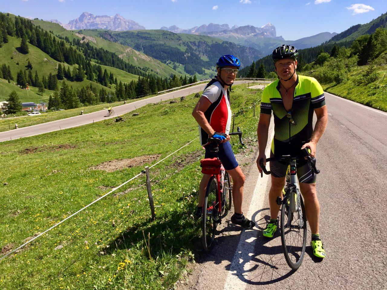Hans-Jörg u. Andi, Auffahrt Passo Pordoi, Dolomites, Italy