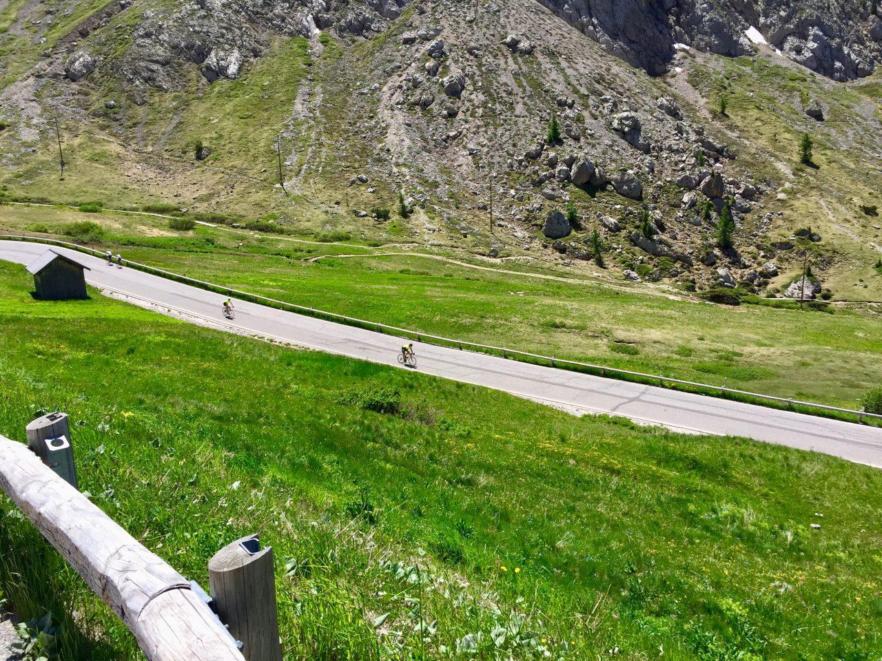 Abfahrt Passo Pordoi, Dolomites, Italy