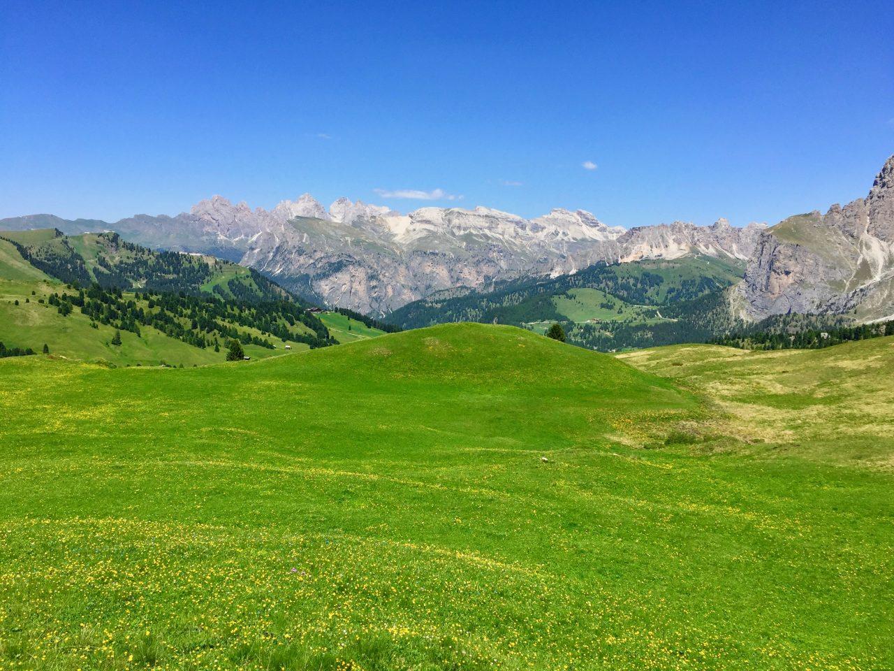 Abfahrt, Passo Sella, Dolomites, Italy
